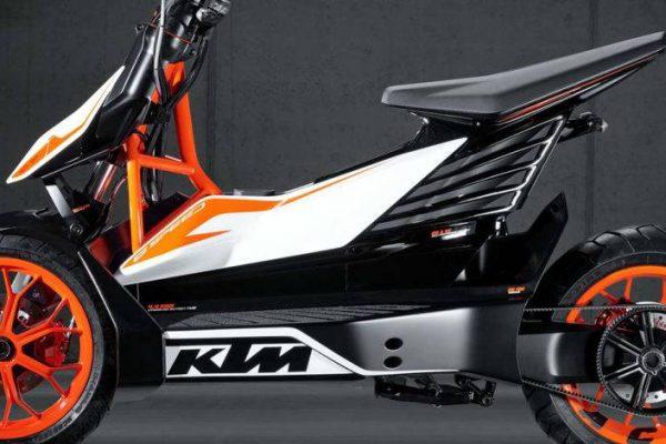 KTM y bajaj