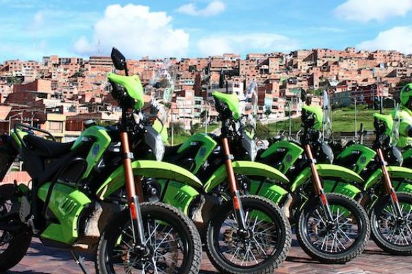 La policía colombiana apuesta por la moto eléctrica