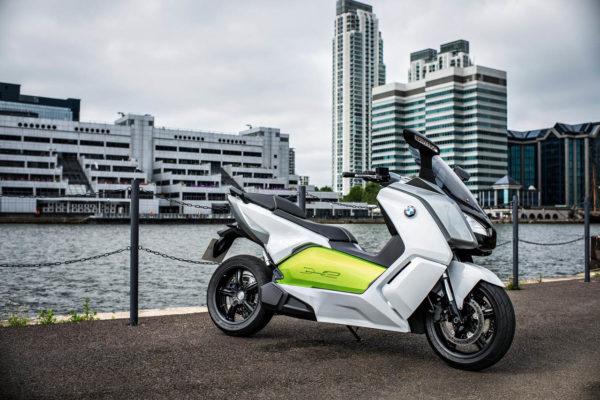 BMW presenta la C Evolution, su nueva maxi scooter, en la Feria de Frankfurt
