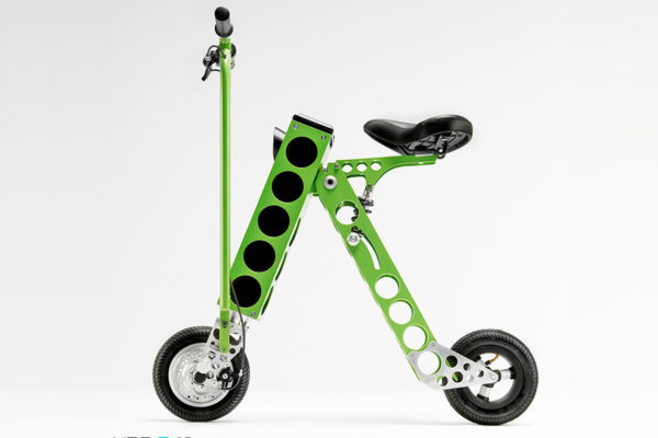 El diseño de la nueva scooter eléctrica Urb-E sorprende a los profesionales