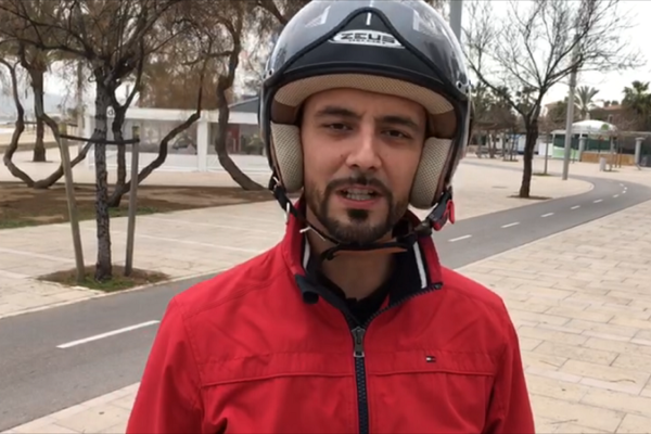 Saul López prueba la Quazzar e-Divine en Mallorca